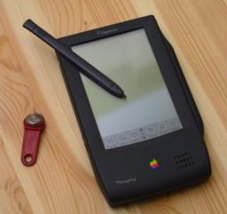apple newton h1000 omp digital assistant message pad 1993