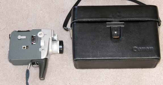 CANON ZOOM 8 EEE VINTAGE 8 MM MOVIE CAMERA 1962