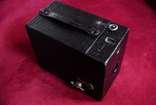 kodak cartridge hawkeye no.2, model c vintage box film camera 1926