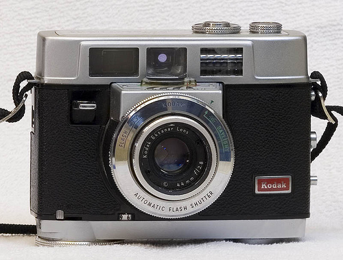 kodak motolrmatic 35, vintage 35 mm film camera 1960